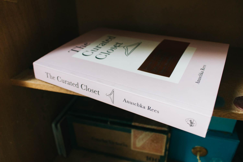 Jeg har lest meg gjennom The Curated Closet, og gleder meg til å ta stilen et hakk videre.